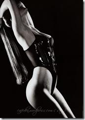 brooklyn-decker-topless-gq-02