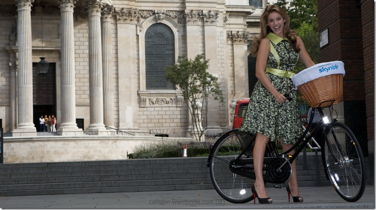15917_Kelly_Brook-Photocall_to_launch_the_Mayor_of_Londons_Skyride-11_122_977lo