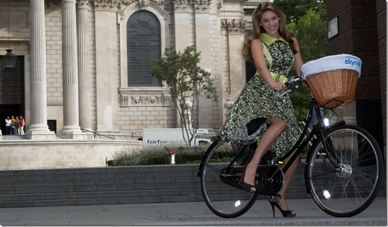 17309_Kelly_Brook-Photocall_to_launch_the_Mayor_of_Londons_Skyride-9_122_213lo