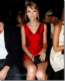 49512_Taylor_Swift_attends_the_Tommy_Hilfiger_Spring_2010_Mens_and_Womens_Collection_122_369lo_122_369lo