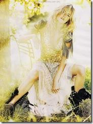 93124_Sienna_Miller_Vogue-1_122_360lo