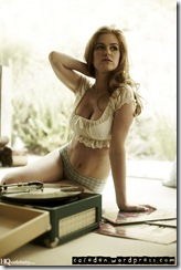 gria2i1oeslomgdq0uwe-Isla Fisher in Allure