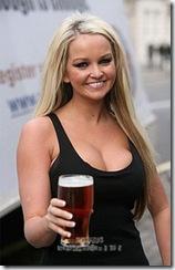 jennifer-ellison-beer-4