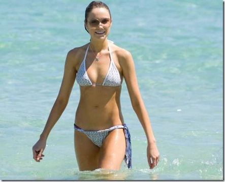 19030_katrina_bowden_bikini_candids_in_miami_122_351lo_122_351lo