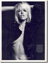 eva-herzigova-nipple-vogue-02