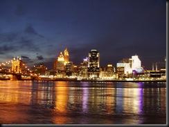 Cincinnati-skyline-from-kentucky-shore-night